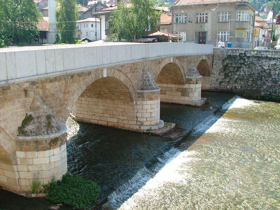 Most, na którym doszło do zamachu na arcyksięcia Franciszka Ferdynanda/ fot. Sylwia Madej