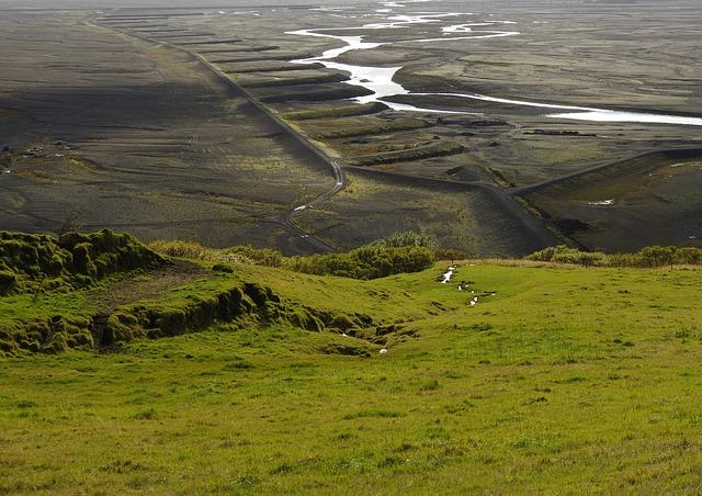 Park Narodowy Skaftafell fot. https://pixabay.com/en/landscape-iceland-nature-skaftafell-687196/ CC0 Public Domain