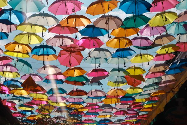 ulica parasoli w Meksyku