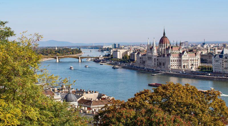 Węgry zamykaja się na miesiąc dla obcokrajowców!