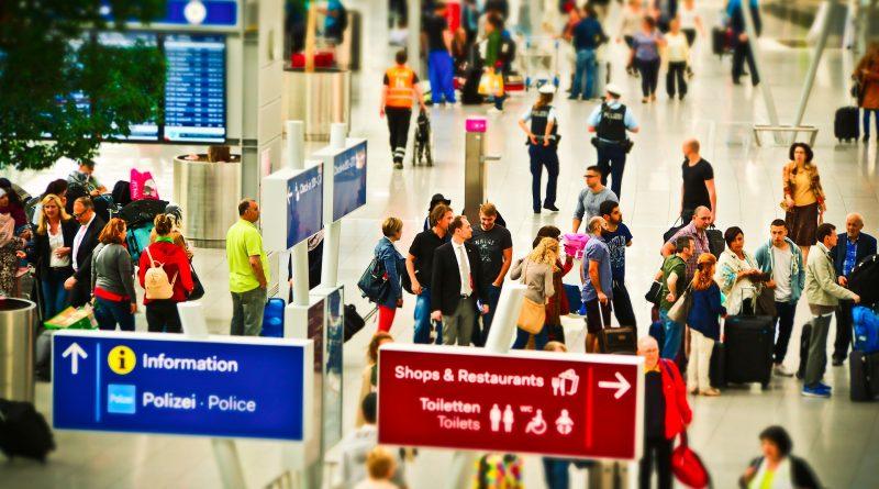 Szybkie testy na lotniskach - ceny biletów mogą wzrosnąć kilkukrotnie