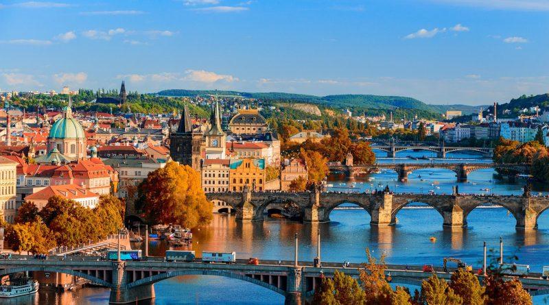 Stan wyjątkowy w Czechach i na Słowacji.