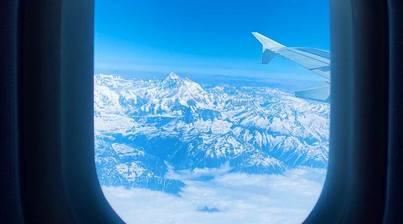 Nepal wznowił loty widokowe nad Mount Everest