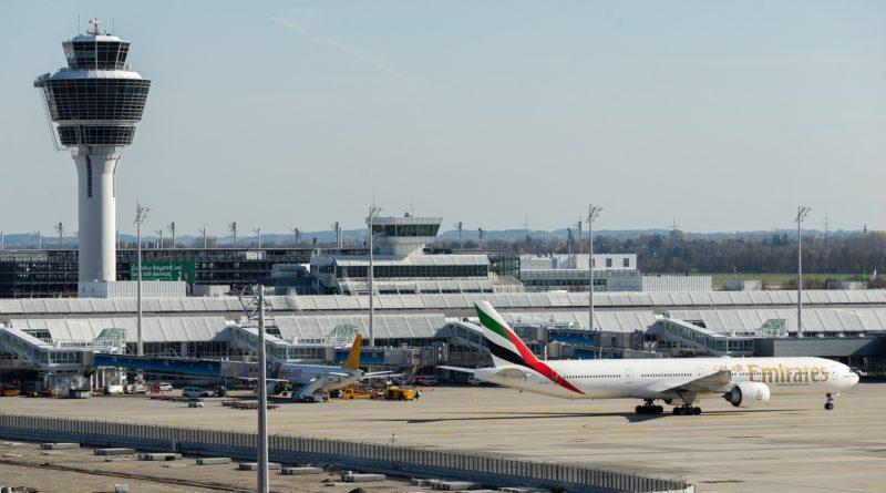 Linie Emirates rozpoczęły szczepienia swoich pracowników