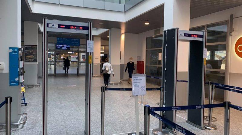 Poznańskie lotnisko wprowadza szybkie testy zwalniające z kwarantanny