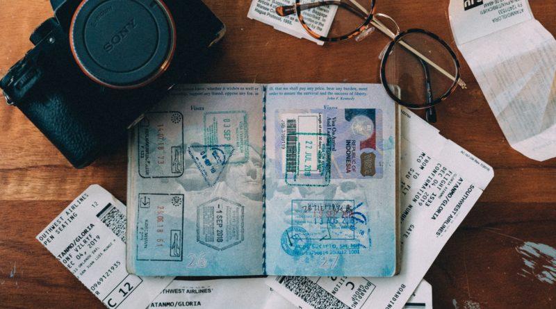 Paszporty szczepionkowe ruszą już w marcu