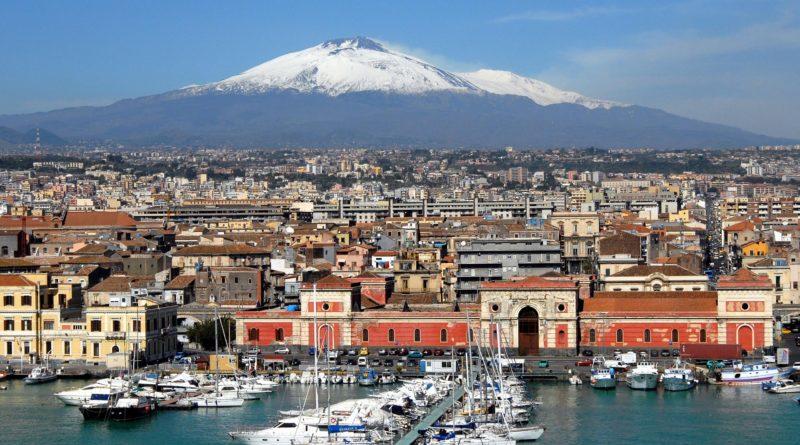 Lotnisko na Sycylii zamknięte po erupcji wulkanu Etna