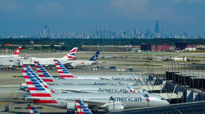 Linie American Airlines pozwolą pasażerom na podróż bez maski