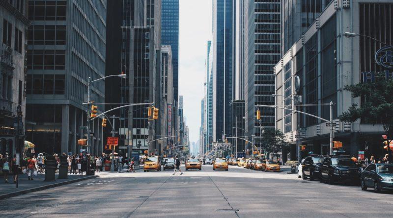"""Nowy Jork bez kwarantanny dla """"turystów bezobjawowych"""""""